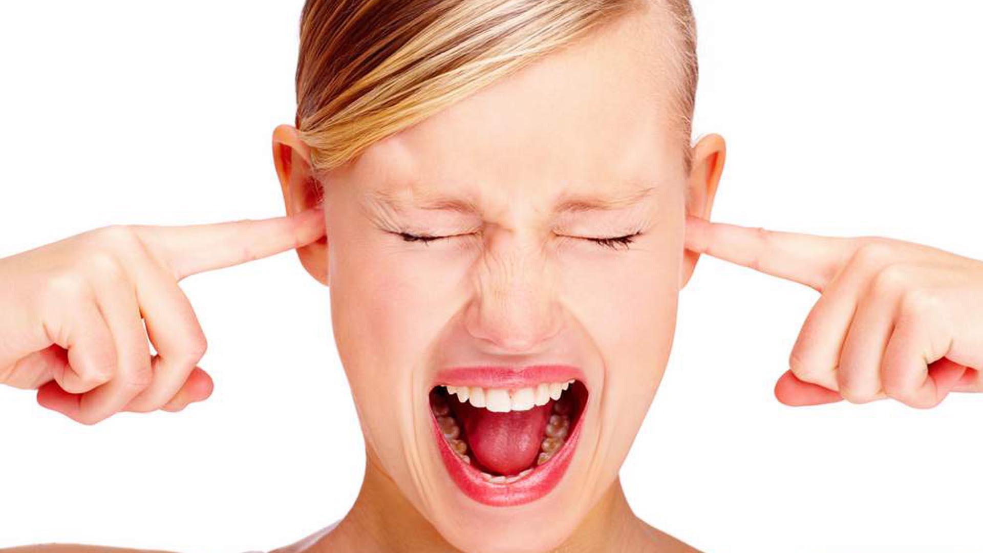 L'acufene spiegato ai vostri figli: i pericoli delle cuffiette